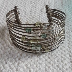 Jewelry - Vintage Wire Glass Beaded Bracelet